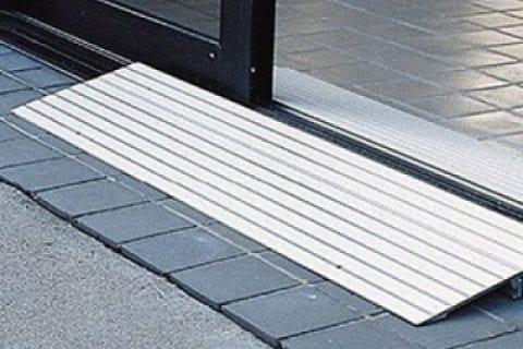 Aluminum Wheelchair Threshold Ramp